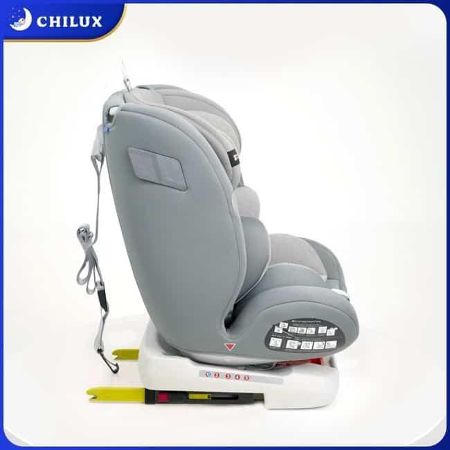 Ghế ngồi ô tô cho bé lắp đặt bằng hệ thống ISOFIX thực hiện dễ dàng, chính xác và an toàn hơn